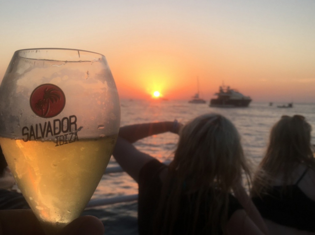 sunset-trip-san-antonio-boat-cafe-mambo