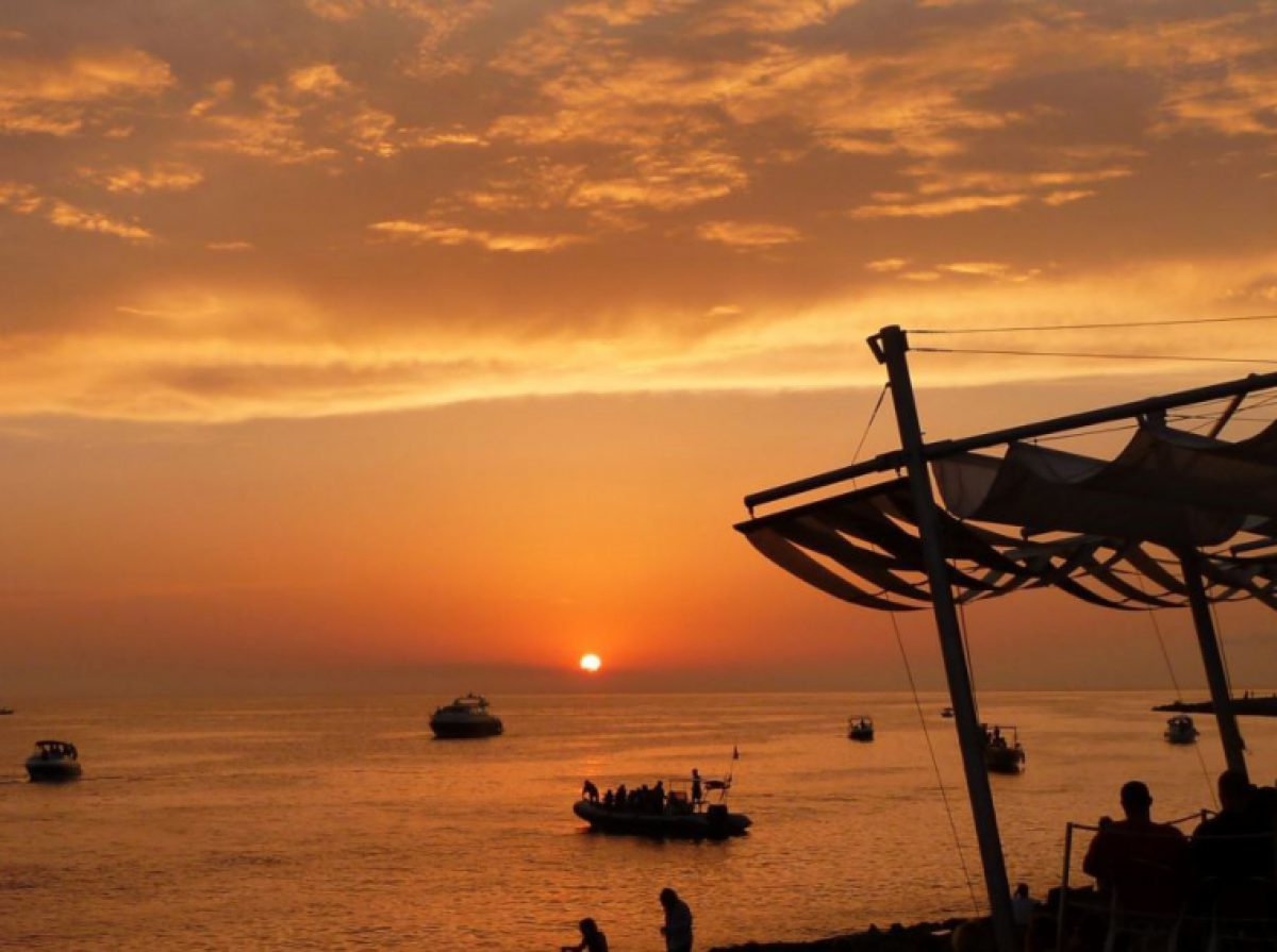 Check also Cafe Mambo Sunset Boat Trip