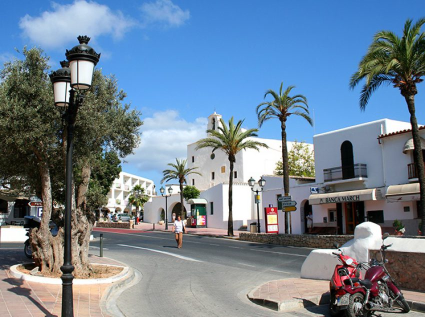 FORMENTERA TOUR BY BUS