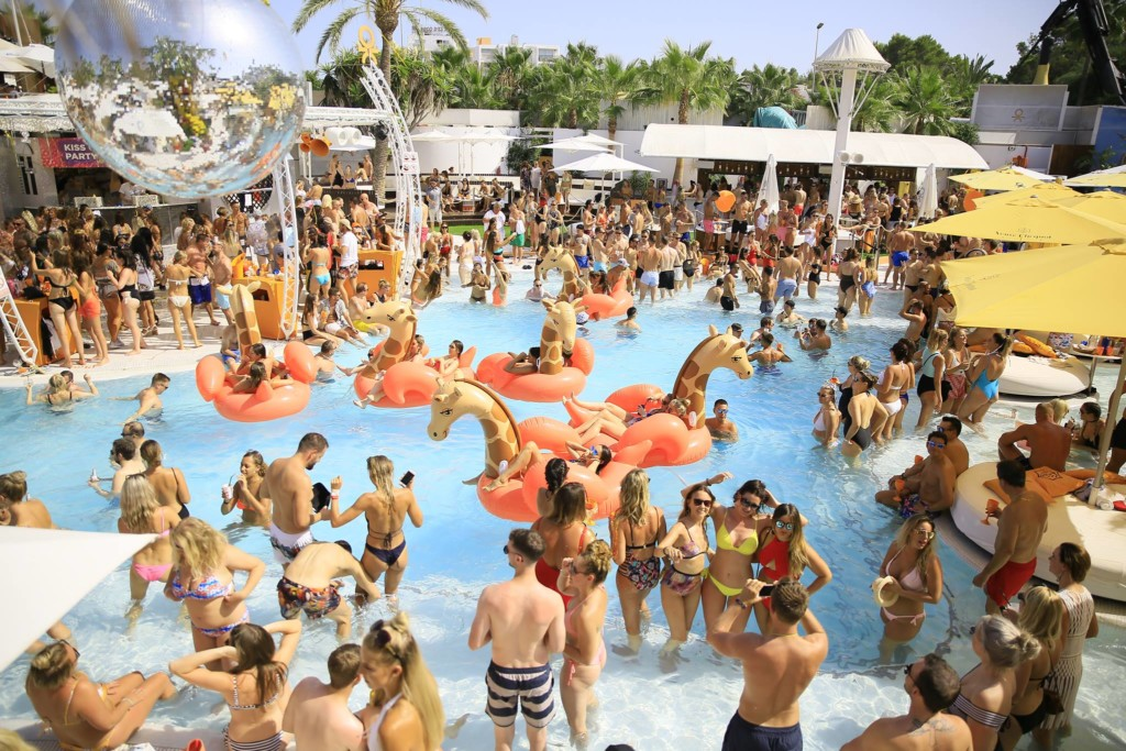 beach klub - How to spend a stag or hen party on Ibiza?